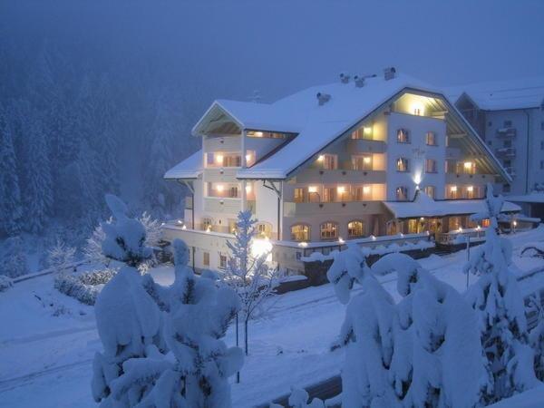 Foto invernale di presentazione Erica - Hotel 3 stelle sup.