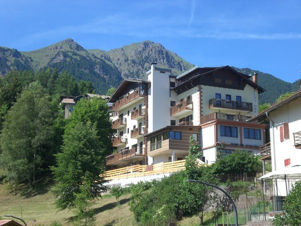 Summer presentation photo Small hotel Serenetta