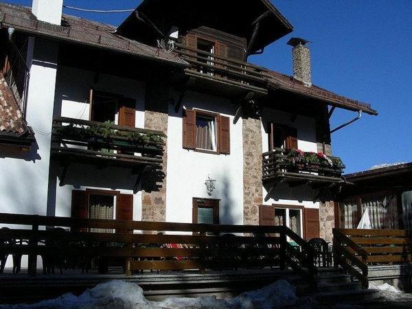 Foto estiva di presentazione Bucaneve - Hotel 1 stella