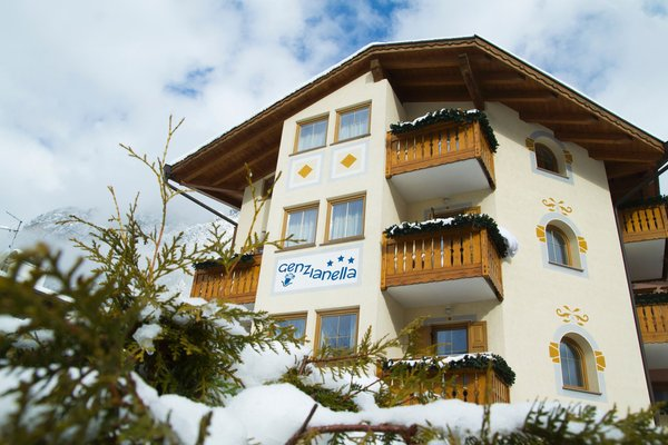 Winter presentation photo Genzianella - Hotel 3 stars