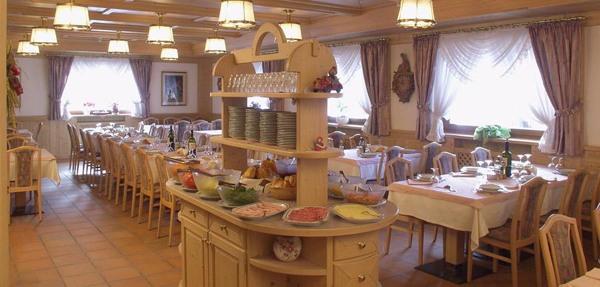 The restaurant Ziano di Fiemme Villa Jolanda