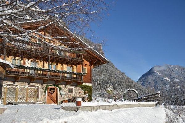 Foto esterno in inverno Maso Val Averta