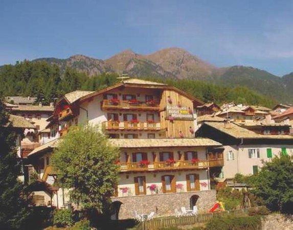 Foto estiva di presentazione Miramonti - Residence 3 stelle