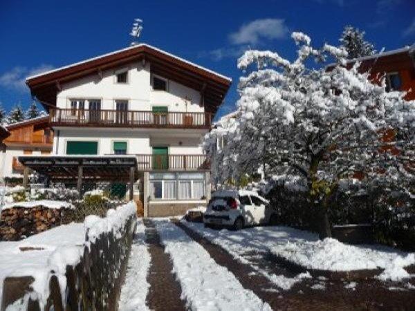 Foto invernale di presentazione Appartamenti Casa Corina