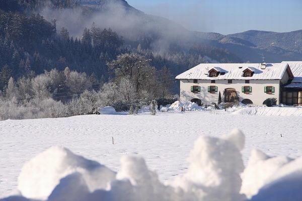 Foto invernale di presentazione Maso Chelò - Appartamenti 4 fiori