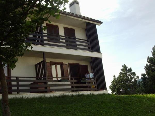 Foto estiva di presentazione Appartamenti Bussolari Valentina
