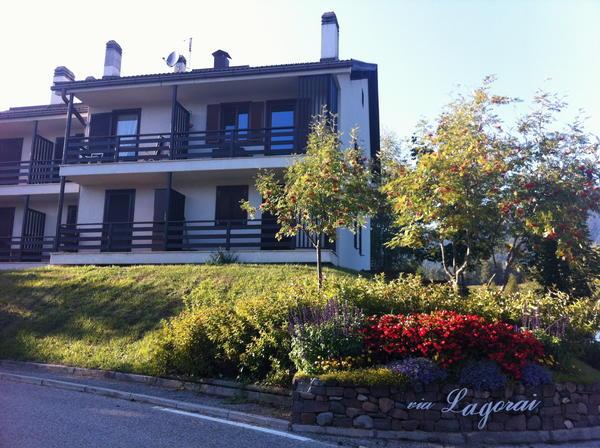 Foto esterno in estate Bussolari Valentina