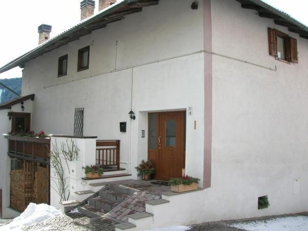 Foto invernale di presentazione Dalpalù Giovanna - Appartamenti 3 genziane