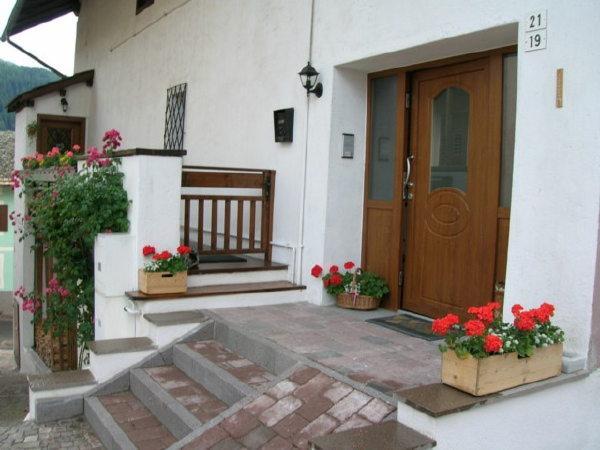 Foto estiva di presentazione Dalpalù Giovanna - Appartamenti 3 genziane
