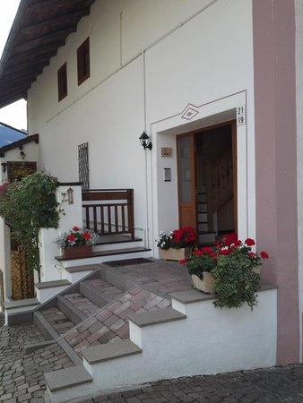 Foto esterno in estate Dalpalù Giovanna