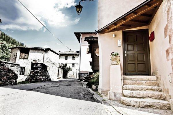 Foto esterno in estate Casa Nicoleta