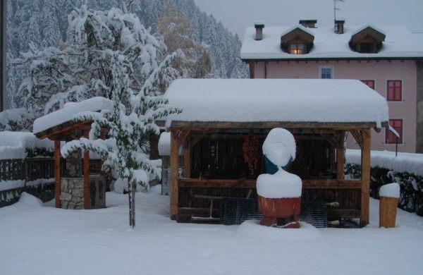 Foto invernale di presentazione Giacomelli Silvano - Appartamenti 4 fiori