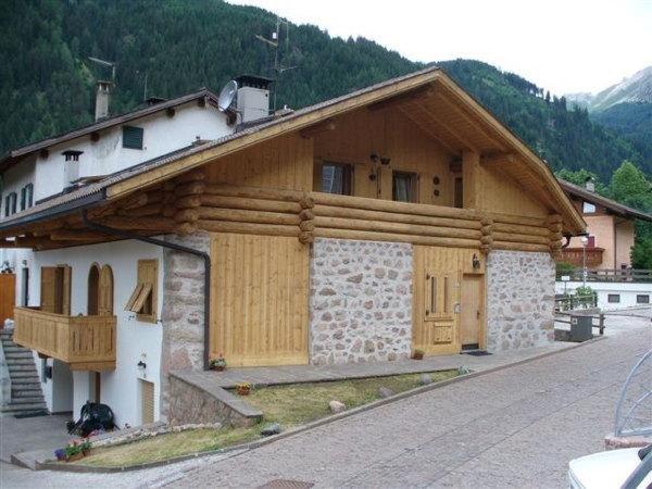 Foto estiva di presentazione Appartamenti Cottone Ivano