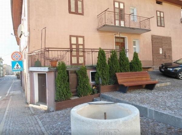 Foto esterno in estate Dellagiacoma Giuseppina