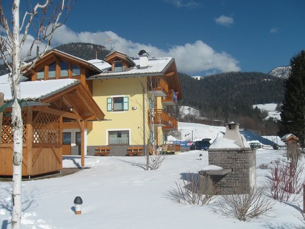 Foto esterno in inverno Maso Chemela