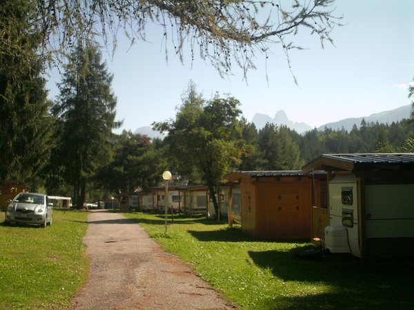 Foto esterno in estate Fiemme Village Camping&Resort