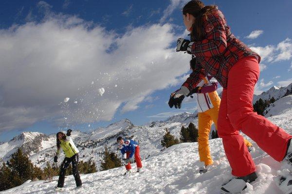 Foto invernale di presentazione APT Valle di Fiemme - Sede di Cavalese
