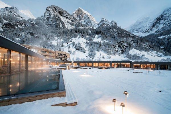 Foto esterno in inverno Feuerstein Nature Family Resort