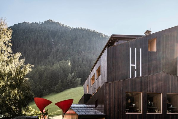 Photo exteriors in summer Wanderhotel Jaufentalerhof