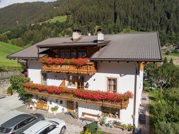 Foto esterno in estate Sennerhof