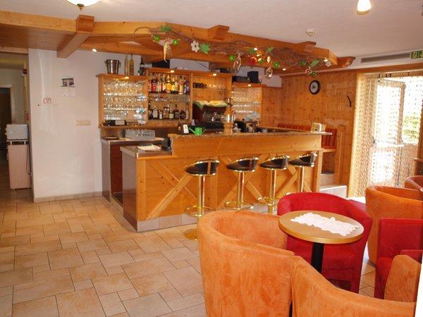 Foto von der Bar Aparthotel Gurnatsch