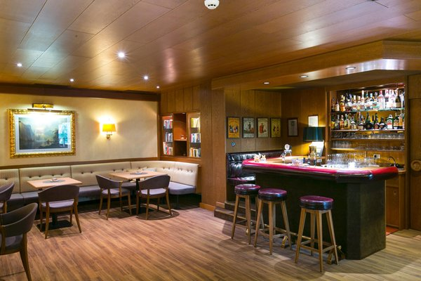 Photo of the bar Dominik Alpine City Wellness Hotel - Adults only