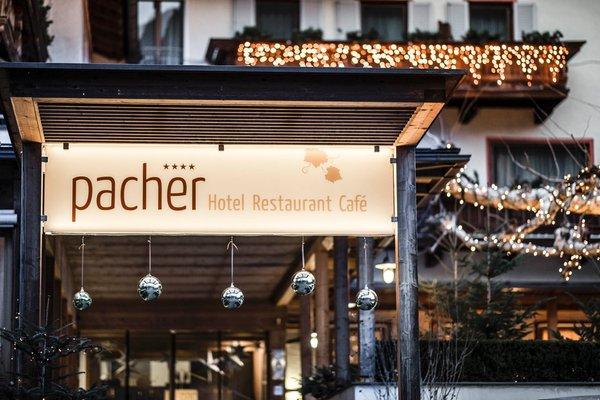 Foto esterno in inverno Pacher