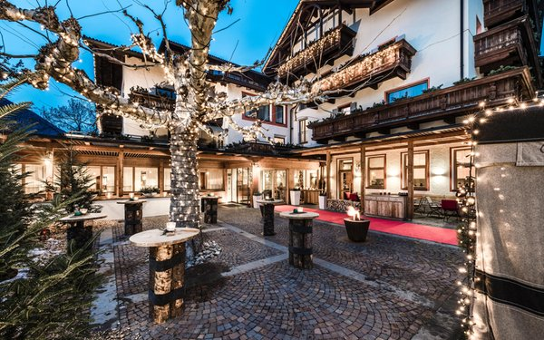 Foto invernale di presentazione Pacher - Hotel 4 stelle