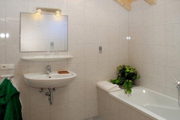 Foto del bagno Appartamenti in agriturismo Obermoarhof