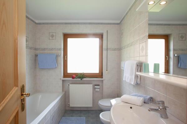 Photo of the bathroom Farmhouse apartments Ciasa Alfred