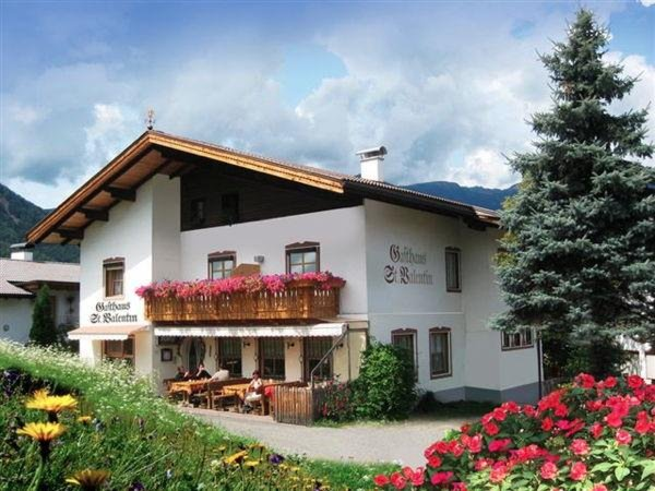 Sommer Präsentationsbild St. Valentin - Gasthof 3 Sonnen