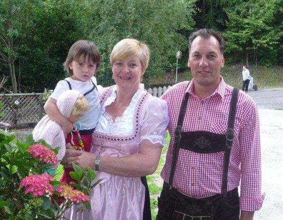 Mittermüllerhof - Ferienwohnungen auf dem Bauernhof 2 Blumen Feldthurns