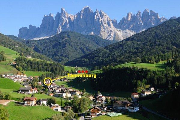 La posizione Appartamenti Tannenburg Val di Funes