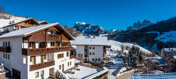 Foto invernale di presentazione living Puez apartments in the dolomites