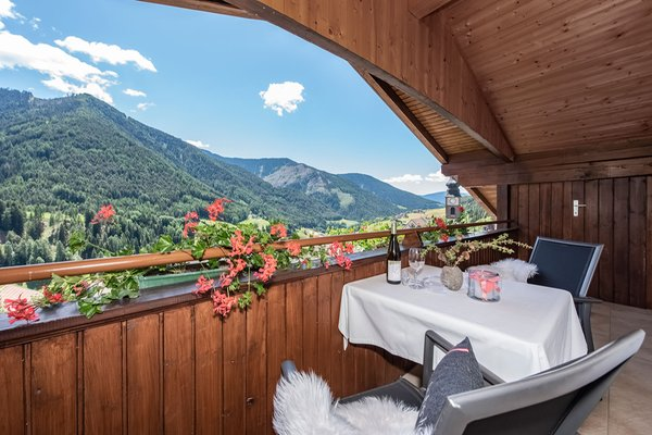 Foto del balcone living Puez apartments in the dolomites