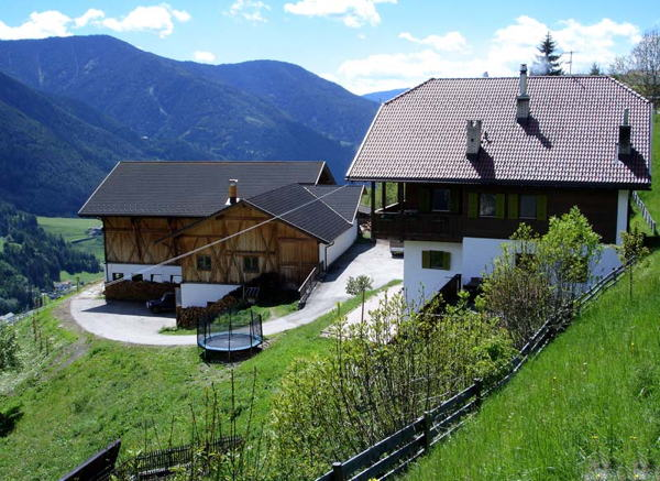Foto esterno in estate Heinzlerhof