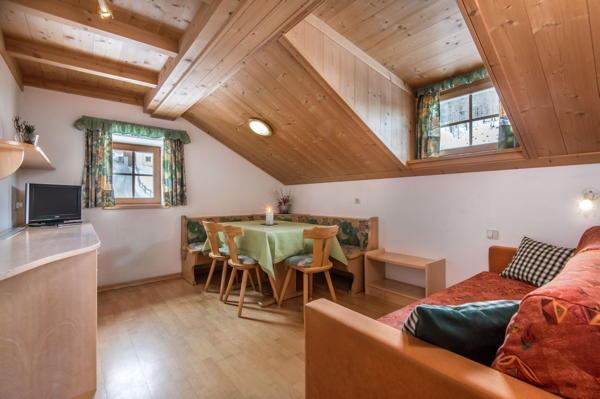 Der Wohnraum Ferienwohnungen Ciasa Altonn