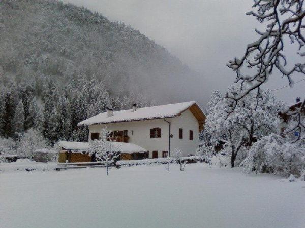 Foto invernale di presentazione Appartamenti Dossi Laura