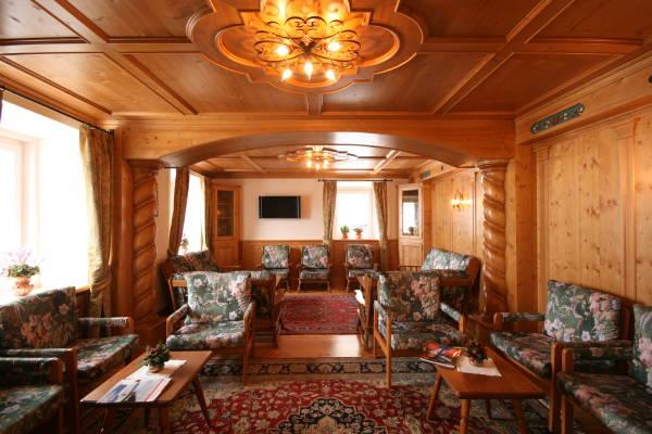 Foto der Stube Hotel Des Alpes