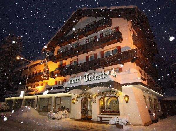 Foto invernale di presentazione Hotel Trieste