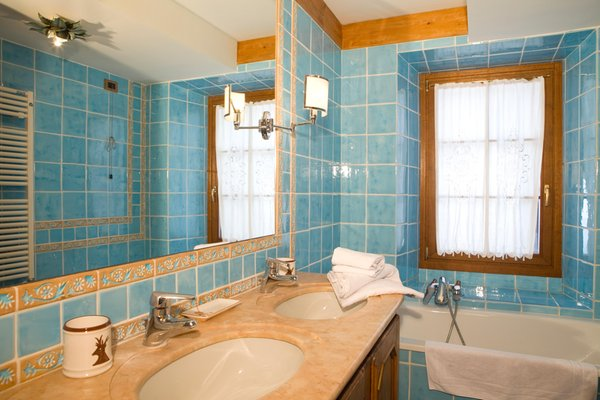 Foto del bagno Bed & Breakfast Oltres