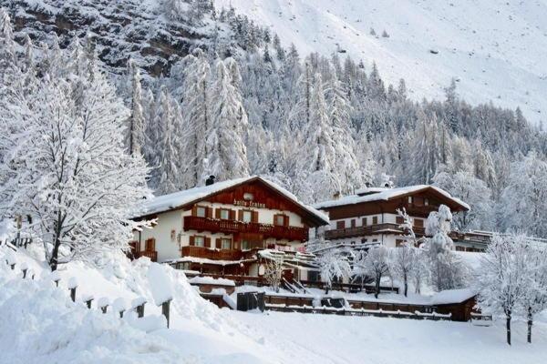 Foto invernale di presentazione Baita Fraina - Camere private con prima colazione