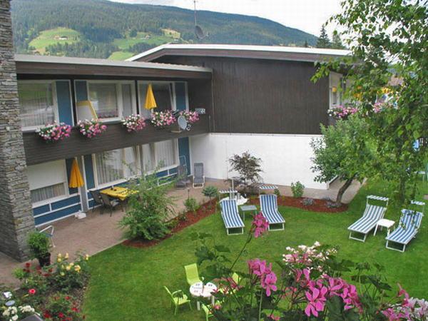 Foto esterno in estate Arnika