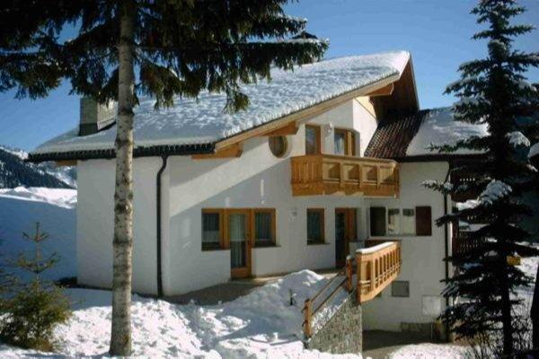 Foto invernale di presentazione Appartamenti La Pineta
