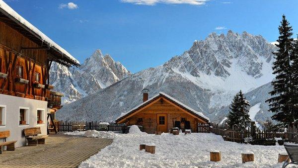 Foto esterno in inverno Agriturismo Glinzhof