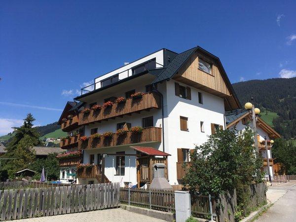 Foto estiva di presentazione Appartamenti Burgmann Hermann