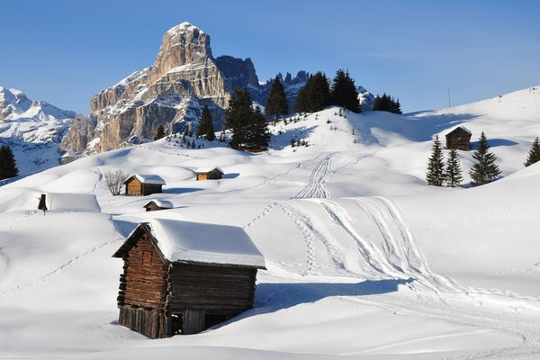 Foto invernale di presentazione Associazione turistica Corvara