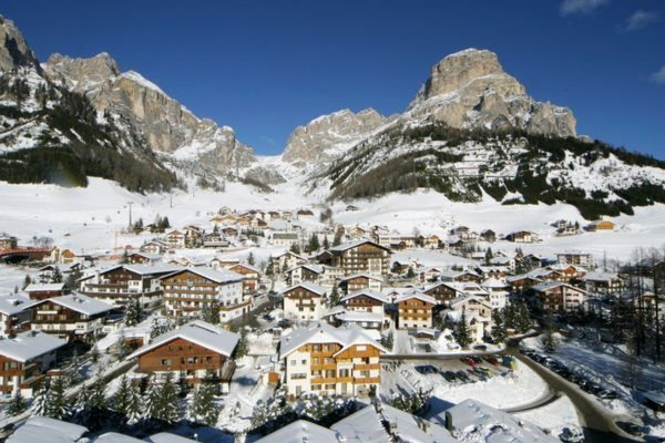 Foto invernale di presentazione Associazione turistica Colfosco