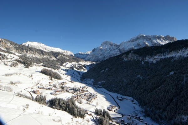 Foto invernale di presentazione Ufficio turistico La Val