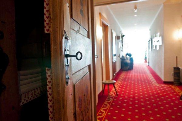 Photo of some details Park Hotel  Bellevue